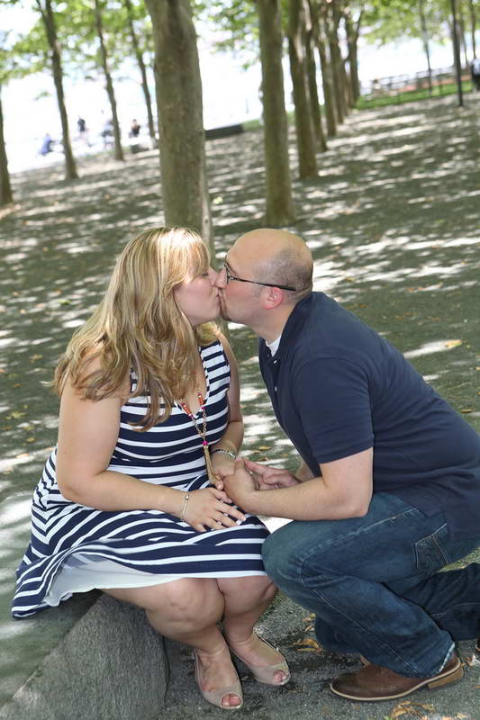 Kissing,Engagement Photography