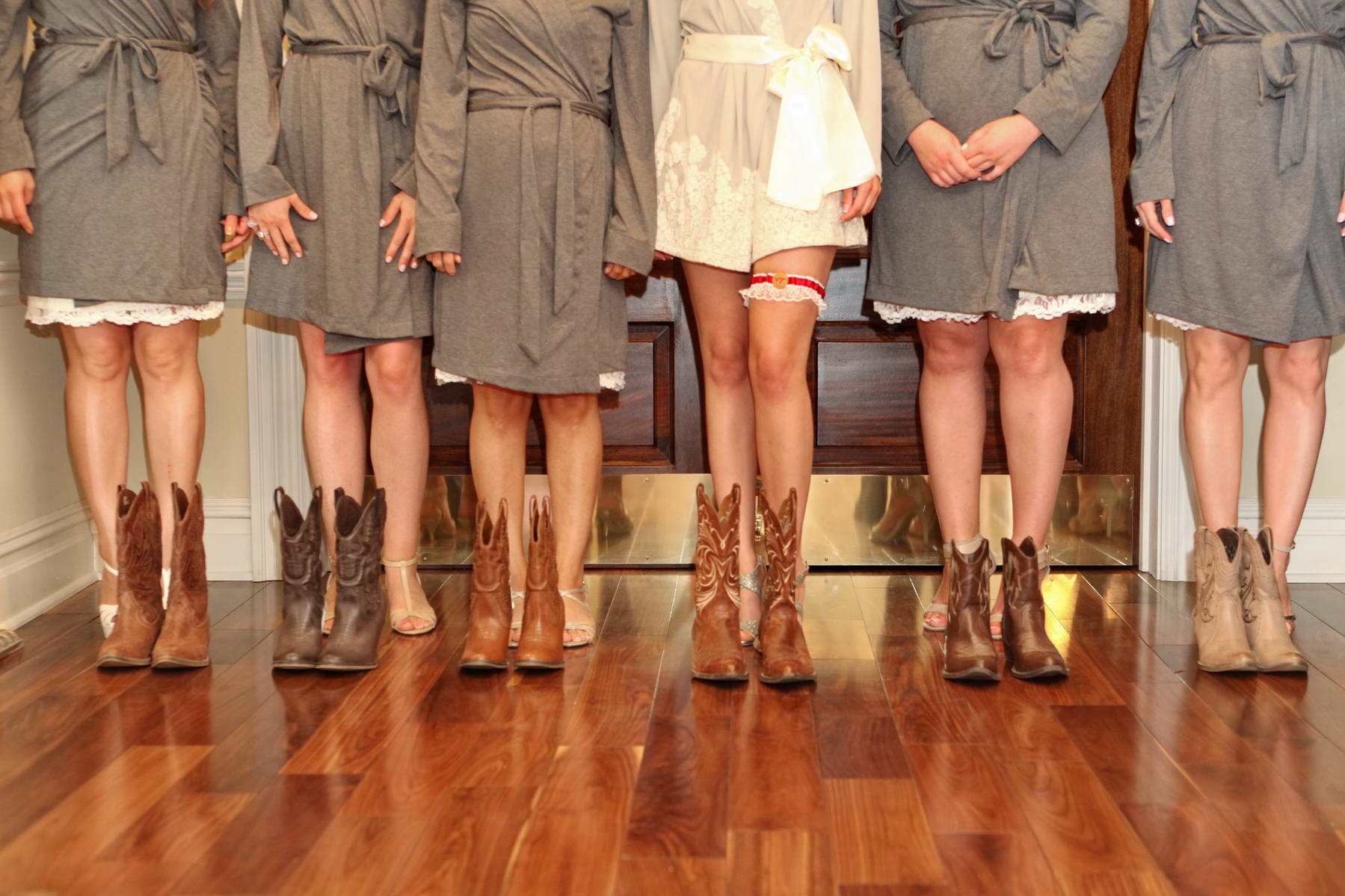 Bridesmaids in Boots,Creative Photography